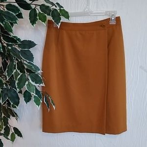 Gucci authentic 100% wool camel wrap skirt 42